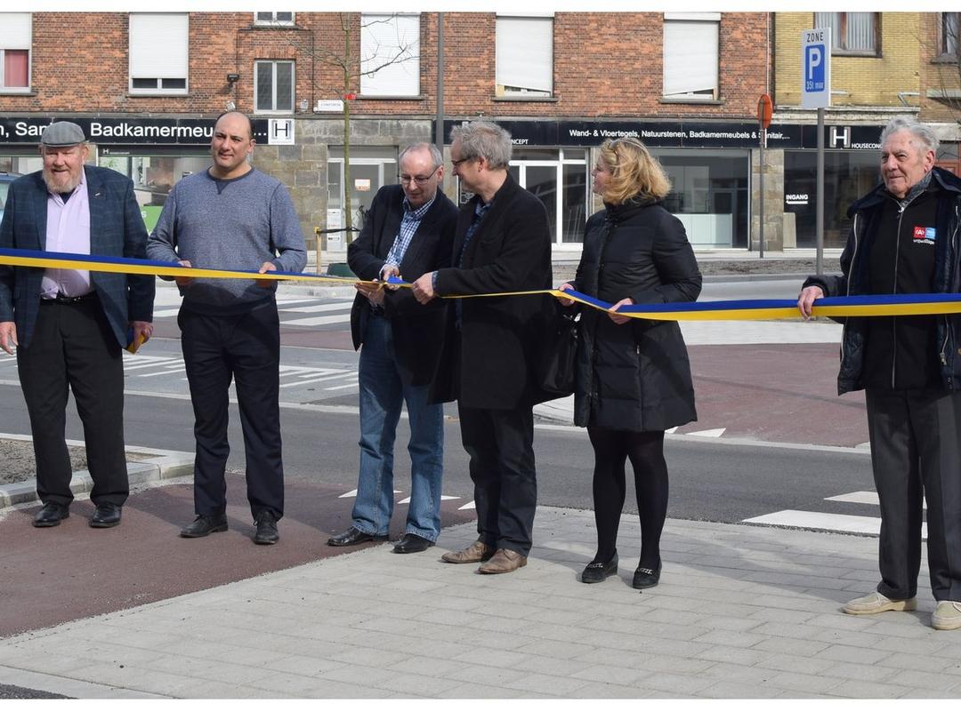 Kruispunt Confortalei – Lakborslei is weer open